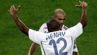 Ils nous font vibrer au rythme de leurs exploits, les attaquants de l'Équipe de France ont toujours porté la nation par le poids de leurs buts. Thierry Henry...
