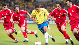 6 momentos do futebol que lembraram muito a várzea