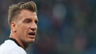 Visiblemente relajado luego de aquel episodio que distanció al ex-River del futbolista del PSG, López lanzó un dardo venenoso en las redes sociales que...