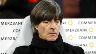 Mesut Özil verkündete nach der Weltmeisterschaft 2018 und dem blamablen Ausscheiden in der Gruppenphase seinen Rücktritt aus der Nationalmannschaft, Sami...