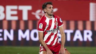 Durch die lange Ausfallzeit von Luis Suarez dürfte sich der FC Barcelona gezwungen sehen, im Januar einen Ersatz zu finden. Die britische Daily Mail bringt...