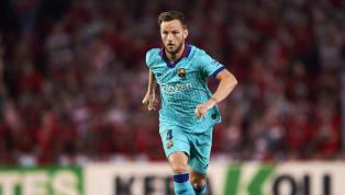 De plus en plus, Ivan Rakitic commence à perdre de l'importance au sein du FC Barcelone. Le milieu Croate ne devrait pas continuer l'aventure la saison...
