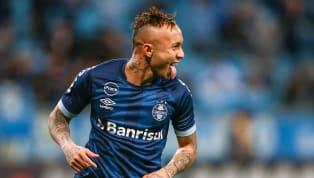 """O atacante Everton """"Cebolinha"""" vem despertando a cobiça de vários clubes europeus. O primeiro clube do Velho Continente interessado no craque do Grêmio foi o..."""