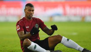 Zuletzt wurde der Brasilianer Walace von Martin Kind öffentlich kritisiert. Doch nun erhält er von Trainer Thomas Doll gegenLeverkuseneine...