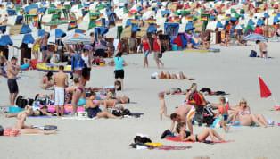 Agosto, sois muchos los que estáis de vacaciones, os habéis olvidado de la rutina laboral y vuestro día a día consiste en levantaros y acercaros a la playa,...