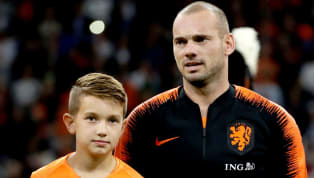 Galatasaray'ın eski yıldızı Wesley Sneijder, 134 kez formasını giydiği Hollanda Milli Takım kariyerini dün Peru ile oynanan hazırlık maçıyla noktalarken,...