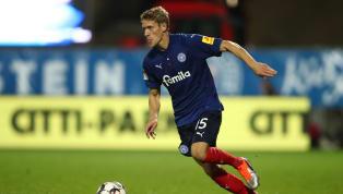 """Zweitligist Holstein Kiel geht mit Linksverteidiger Johannes van den Bergh in eine weitere Saison. Wie die """"Störche"""" am Samstagmorgen bekannt gaben,..."""