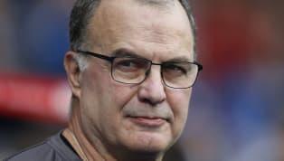 El entrenador de Leeds United fue consultado sobre la ausencia de Jean-Kevin Augustin en su equipo. Ante este panorama, el 'Loco' se tomó su tiempo en la...