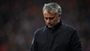 Depuis son limogeage l'hiver dernier de Manchester United, l'entraineur Portugais est sans club et il semble visiblement très affecté par cette situation. En...