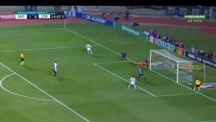 Mais um do São Paulo! A zaga do Corinthians se atrapalhou, Reinaldo driblou Cássio e na segunda tentativa anotou um bonito gol. O placar agora é:  São...