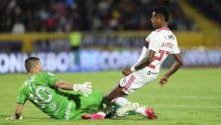 Um lance preocupante chamou a atenção da torcida doFlamengona noite da última quarta-feira. Em disputa de bola com o goleiro adversário, Bruno Henrique se...
