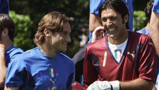 Quand des légendes italiennes du football discutent entre-elles, on écoute très attentivement puisque les vannes peuvent fuser à tout moment ! Francesco...