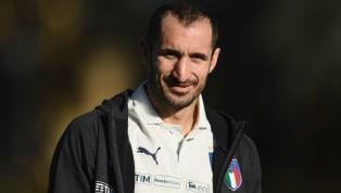 BeiJuventus Turingehört Giorgio Chiellini zu den absoluten Stammspielern. Mittlerweile hat sich der Italiener zum Abwehrchef der Alten Dame entwickelt und...