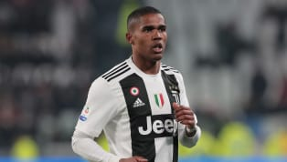 Manchester United target Douglas Costa has added further fuel to the transfer rumour fires after he liked a Twitter post claiming the Red Devils are set to...