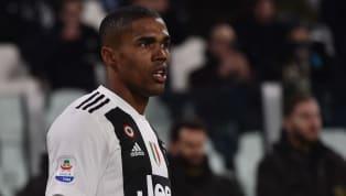En difficulté cette saison que la saison dernière du côté de la Juventus de Turin avec seulement 1 but et 2 passes décisives en 24 matchs, Douglas Costa...