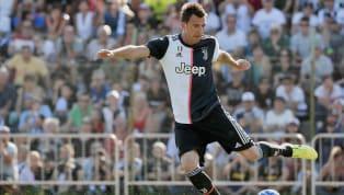 Isu kedatangan Mario Mandzukic, penyerang Juventus, semakin kuat menuju Manchester United. Pasalnya sampai saat ini, striker asal Kroasia itu tidak berlatih...