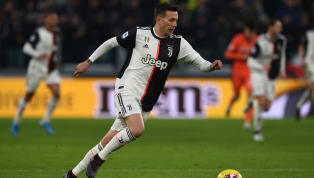 """La Juventus de Turin a refusé une offre jugée """"insuffisante"""" du FC Barcelone pour son ailier droit, Federico Bernardeschi. L'ancien joueur de la Fiorentina..."""