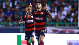 Después de queCruz Azulanunció los fichajes de Juan Escobar y Guillermo Fernández, se esperaba que el tercero fuera el del delantero argentino deXolos...
