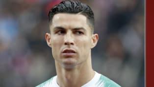 Cristiano Ronaldo đã bị fan chế giễu là toàn ghi bàn vào lưới nông dân sau khi cán mốc 99 bàn thắng trong màu áo tuyển quốc gia. Phân tích kỷ lục 99 bàn của...