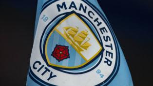 UEFA, İngiltere Premier Lig'in son şampiyonu Manchester City'yi Finansal Fair Play kuralları gereği Avrupa kupalarından 2 yıl men etti. CLUB...