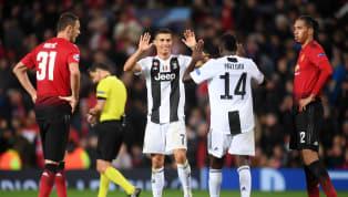 पिछले महीने क्रिस्टियानो रोनाल्डो की युवेंटस के खिलाफ चैंपियंस लीग गेम के दौरान एक फैन के पिच पर आने के चलते मैनचेस्टर यूनाइटेड पर 8000 यूरो का जुर्माना लगा...