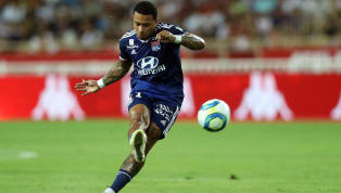​Lyon hitman Memphis Depay came up with an unbelievably insane 35 yard nutmeg goal in his team's opening Ligue 1 match against Monaco on Friday night. The...