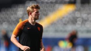  หลังจบเกมนัดชิงชนะเลิศ ยูฟ่า เนชันส์ลีก ที่ทีมอัศวินสีส้มพ่ายให้กับ โปรตุเกส ไป 1-0มาต์ไตส์ เดอ...