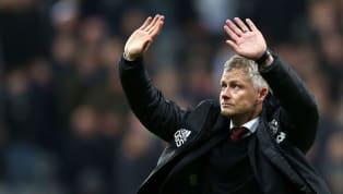 À Manchester, cela fait plusieurs saisons que le soleil ne rayonne plus dans le théâtre des rêves. Depuis le départ de Sir Alex Ferguson, son ombre plane sur...