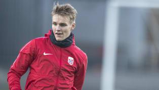  La salida de Frenkie De Jong en verano alBarcelonaya es oficial, y es que el Ajax necesitará un buen futbolista para suplirle ya que De Jong es su...