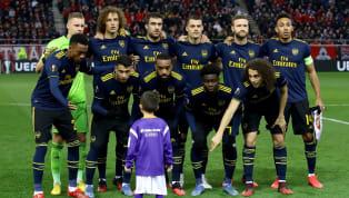 Các cầu thủArsenalđã có khoảnh khắc siêu đáng yêu với chú bé mascot trong thời gian chụp ảnh trước trận vớiOlympiacos, khiến các CĐV bóng đá xuyến xao....