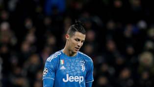Pese a que la actividad del fútbol está completamente parada en el mundo, los rumores en torno a fichajes y salidas para la próxima temporada y una que...
