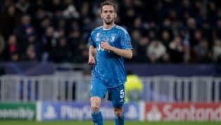 Miralem Pjanic menjadi bagian penting dari skuat Juventus sejak bergabung dari AS Roma pada bursa transfer musim panas 2016. Pemain yang berposisi sebagai...