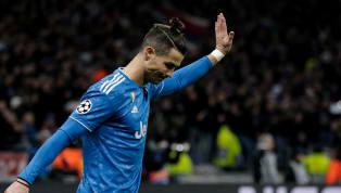 Après Tiger Woods et Floyd Mayweather, Cristiano Ronaldo est le troisième athlète à cumuler un milliard de dollars de revenus selon El Mundo Deportivo. On le...
