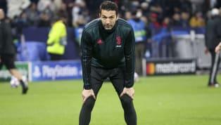 Il nome diGigi Buffon è ben stampato nella storia del calcio italiano e soprattutto di quella dellaJuventus, di cui è diventato un vero idolo ed eroe dei...