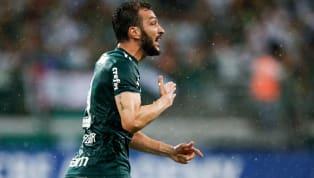Skorer'de yer alan habere göre;2006-2009 yılları arasıFenerbahçe'deoynayan Edu Dracena futbol hayatını noktaladı. Palmeiras formasıyla yeşil sahalara...