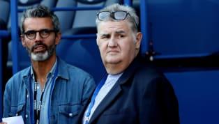 Dans sa chronique vidéo Pierrot Face Cam, Pierre Ménès évoque la concurrence qui fait rage aux postes d'attaquants au PSG et dévoile ses trois titulaires...
