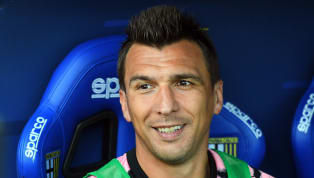 ​Juventus outcast Mario Mandzukic reportedly wants to start training with Manchester United in December if the two clubs can agree on a transfer fee for him. ...