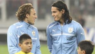 """Diego Forlán no esquivo el tema y hablo sobre al posibilidad de que Cavani llegue a Peñarol. Las declaraciones del """"Cebolla"""" Rodríguez causaron mucho..."""