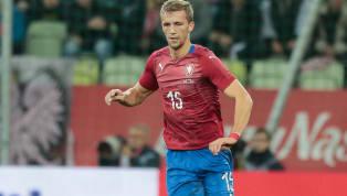 Kızlarının okul işleri nedeniyle birkaç gündür Prag'da bulunan Başkan Fikret Orman'ın burada transferde ismi gündeme gelen oyunculardan Tomas Soucek'i...