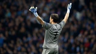 """L'annonce de l'hospitalisation d'Iker Casillas suite à un infarctus a aussitôt engendré un énorme soutien de toute la planète football. """"Le gardien a..."""