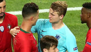 Trung vệMatthijs de Ligt chia sẻ về thông tin cho rằng chính Cristiano Ronaldo đã mời anh gia nhập Juventus, trung vệ người Hà Lan bất ngờ phủ nhận thông...