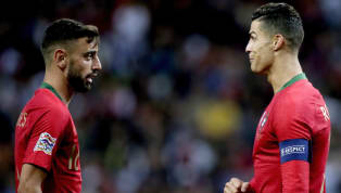 Cristiano Ronaldo đã dành lời khuyên cho người đàn em Bruno Fernandes sau khi chứng kiến tiền vệ người Bồ thực hiện thử thách'The Living Room'. Được biết,...