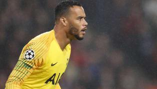 İngiltere Premier Lig ekiplerinden Tottenham Hotspur, bonservisi elinde bulunan Hollandalı eldiven Michel Vorm ile yeniden anlaşma sağladı. Tecrübeli file...