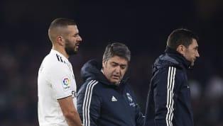 StrikerReal Madrid,Karim Benzema hampir dipastikan cedera kaki di sesi latihan dan membutuhkan masa penyembuhan hingga akhir musim ini. Padahal, ia baru...