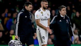 El delantero francés puso la nota negativa en el partido ante el Betis y tuvo que ser sustituido en el descanso después de una caída en la que apoyó su mano...