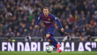 Comprado junto aoGrêmioem 2018, o volante Athur ainda não conseguiu mostrar o seu melhor futebol com a camisa do Barcelona. No entanto, o clube o trata...
