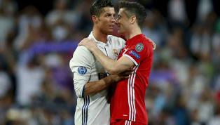 Günümüz futbolunda bazı oyuncuların kulüp takımlarındaki performanslarını milli takımlarına yansıtamadığını gözlemliyoruz. İki alanda da başarıya ulaşan...