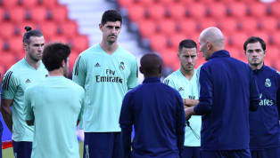 O Real Madrid tropeçou mais uma vez na Champions League e a equipe Zinédine Zidane foi bastante vaiada pelos exigentes torcedores no Santiago Bernabéu. O...