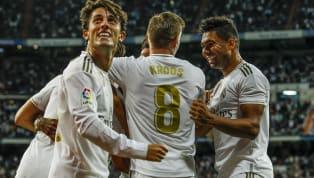 Bị Galatasaray dồn ép nhưng chính Real Madrid mới là đội mở tỷ số trận đấu. Phút 18, Eden Hazard có pha phối hợp 1-2 với Benzema trước khi băng xuống và...