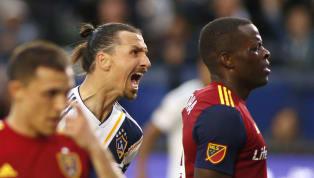 El delantero suecoZlatan Ibrahimovicde LA Galaxytuvo una discusión con el defensaNedum Onuoha, delReal Salt Lakedurante el partido de este fin de...